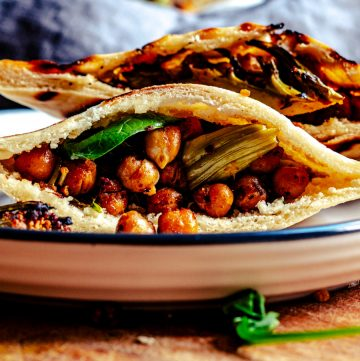 Pita breads stuffed with chickpeas and cauliflower